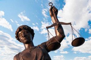 balanza de la justicia - concursos de acreedores